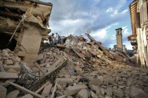 terremoto-di-magnitudo-6-0-devasta-il-centro-italia-le-immagini-di-amatrice-distrutta